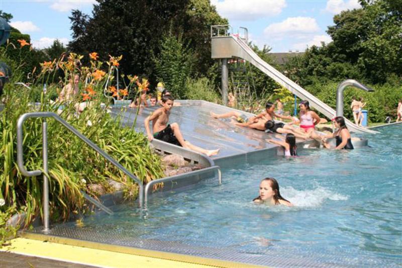 Rüsselsheim schwimmbad öffnungszeiten